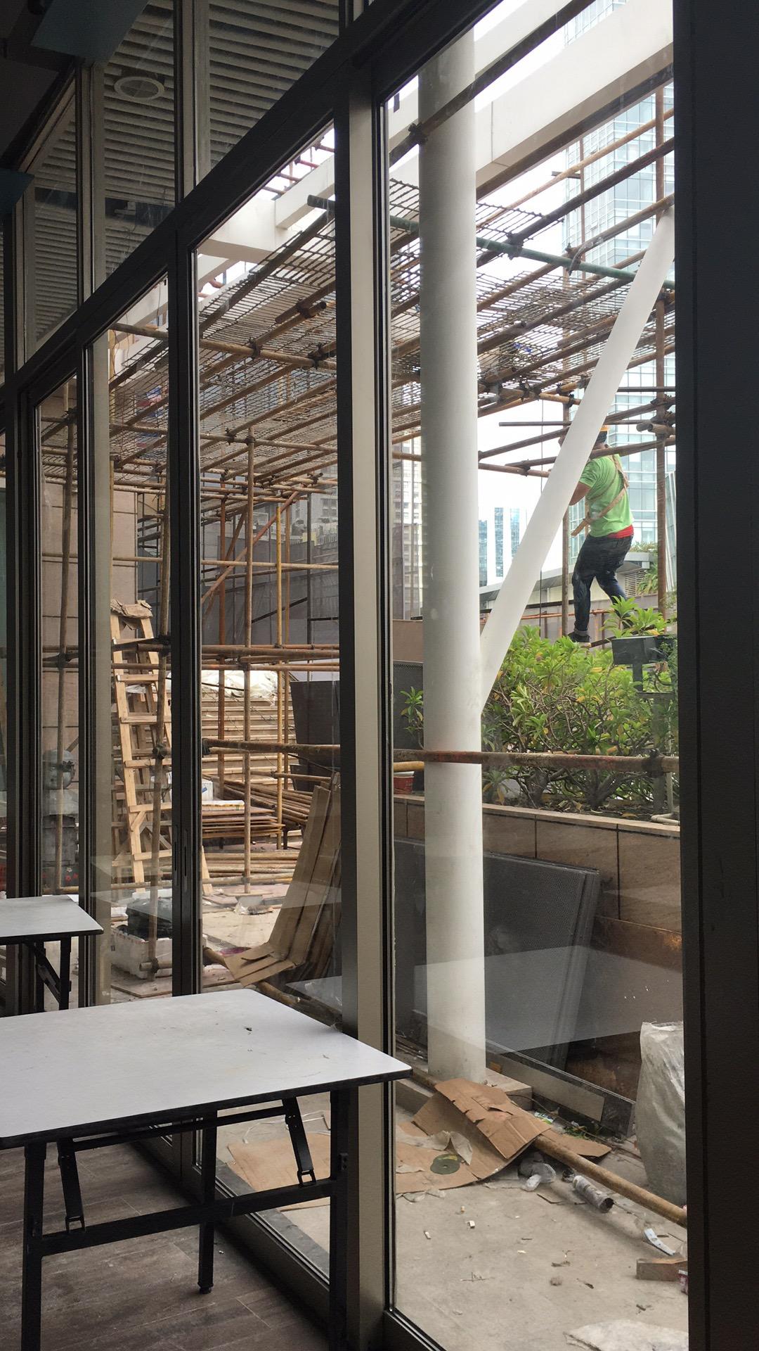 2018年8月深圳海岸城江南厨子重型推拉门案例